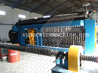 Complete the installation of gabion machine successfully